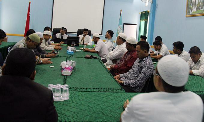 Sekjen Wahdah Islamiyah Puji Program Keumatan yang Ditawarkan NH-Aziz