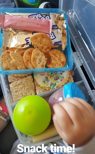 Flying with two toddlers tips: bento lunch box snacks for takeoff landing | away from the blue