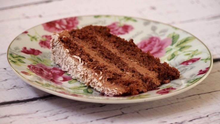 Domowy tort o smaku kakaowym