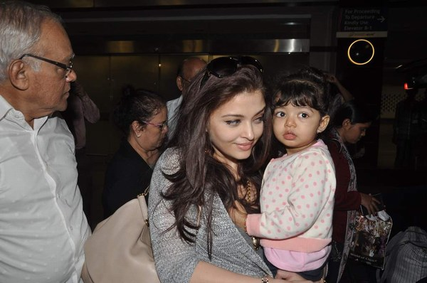 Aishwarya Rai with aughter Aradhya Bachchan at Party