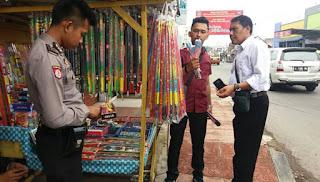 Kepolisian Gelar Razia Sita Ratusan Petasan di Sukabumi