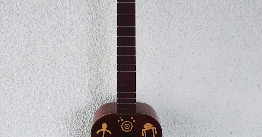 Cuatro Modelo Venezuela Precolombina (Disponible) - Prehispanic Venezuela model Cuatro (Available)guitar
