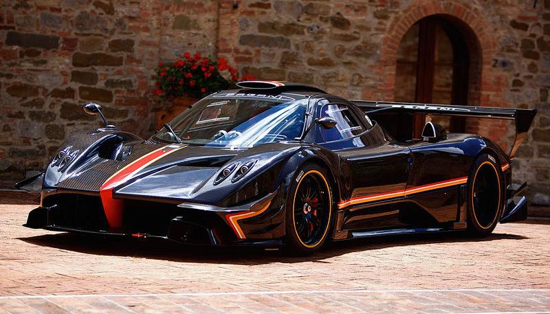 世界最速の車 「パガーニゾンダ レボリューション」