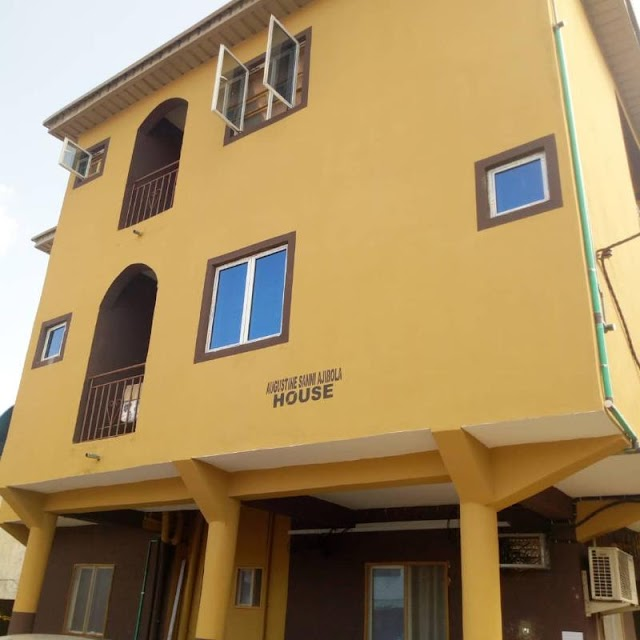 YABA RENT: Mini Flat of A Room and Parlor is Available