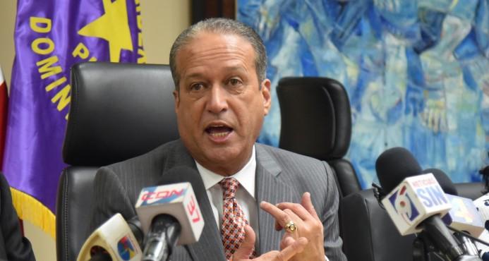 Reinaldo dice hay preselección de juristas para analizar tema de primarias abiertas