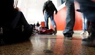 Μαθητές ΕΠΑΛ στο Γαλάτσι έσπασαν στο ξύλο άγρια μαθητές της ΚΝΕ