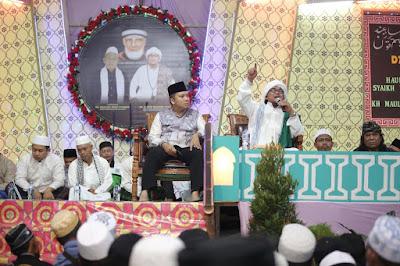 KH Achmad Muzaki dan Ridho Ficardo Gelar Dzikir Akbar bersama Ribuan Santri