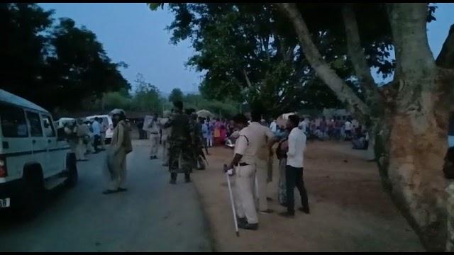 ब्रेकिंग पत्रवार्ता( जशपुर) पत्थरगढ़ी मामले में बंधक बनाए गए अधिकारी कर्मचारी रिहा,एसपी ने की पुष्टि।