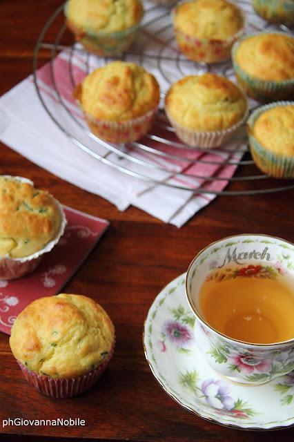 Muffin di kamut con erba cipollina e parmigiano reggiano