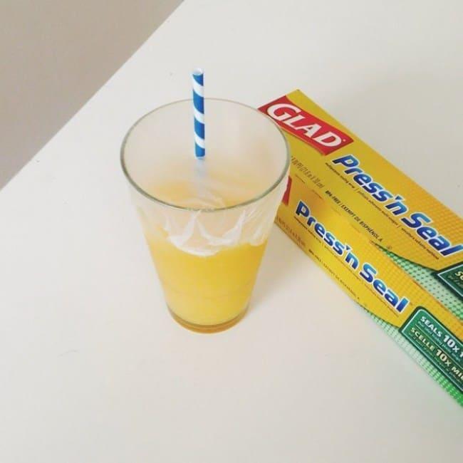 fbb38dfd35538 8 استخدامات ذكية وجديدة لغطاء الطعام البلاستيكي لا يمكن أن تفوتيها ...