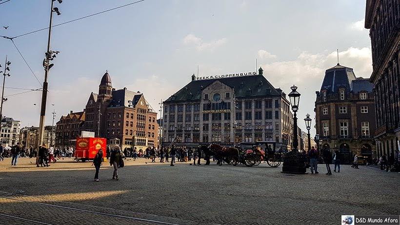 Praça Dam - O que fazer em Amsterdam: 28 atrativos
