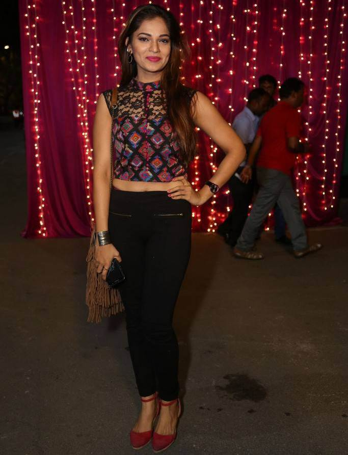 Aswini At Zee Telugu Apsara Awards 2017 In Maroon Dress
