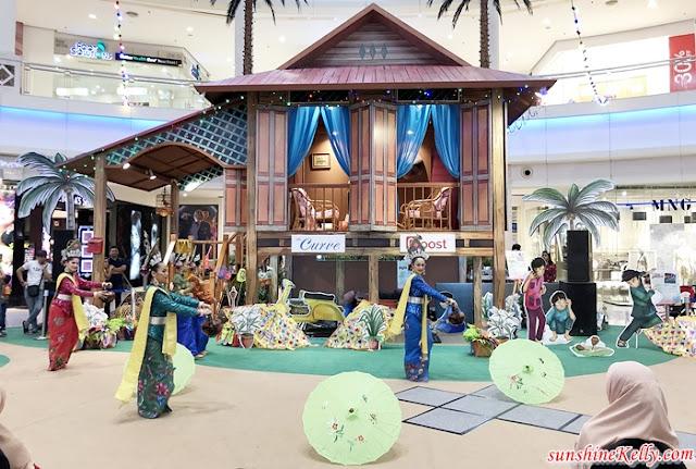 Buka Puasa, Rumah Permata Hatiku Orphan, the Curve, raya 2019, shopping mall raya decor, malaysia shopping mall