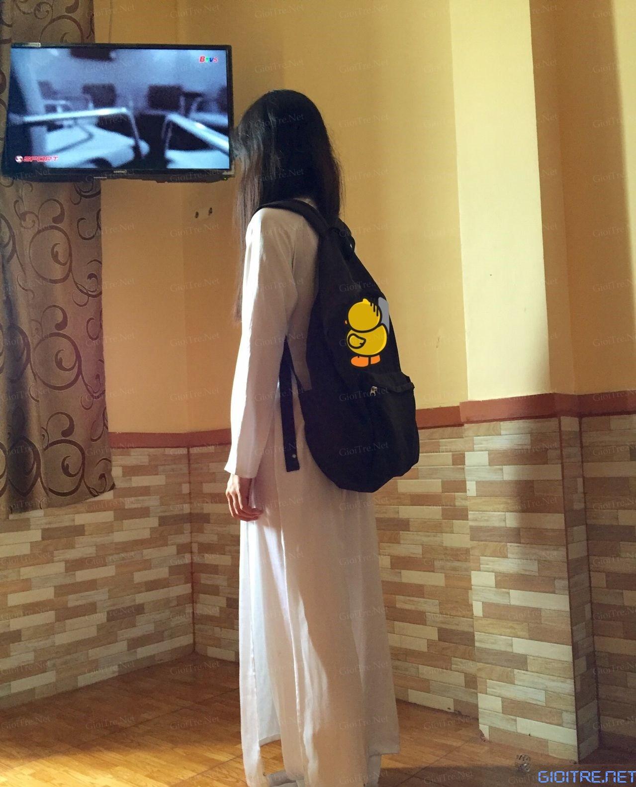 Shock với ảnh nóng nữ sinh Chuyên Văn khoe thân với áo dài trong Nhà Nghỉ