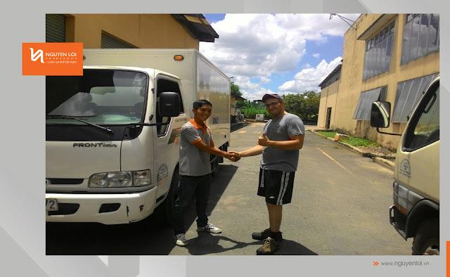thuê xe tải chở hàng - bia thủ công