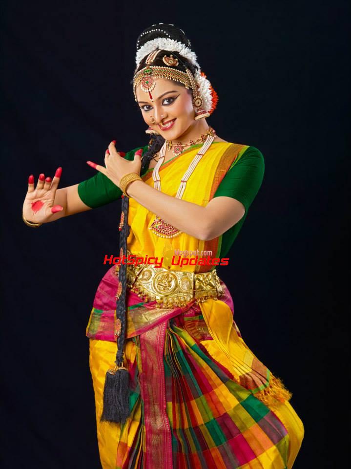 Cute Indian Girl Child Wallpaper Manju Warrier Latest Cute Dancing Photoshoot Stills