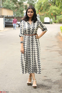 Swathi Reddy Looks super cute at London Babulu theatrical trailer launch ~  Exclusive 074.JPG