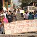 Poco más de cinco horas policías comunitarios de la CRAC en Ayutla, bloquearon la carretera en protesta a la detención de Marco Antonio Suastegui, vocero del CECOP