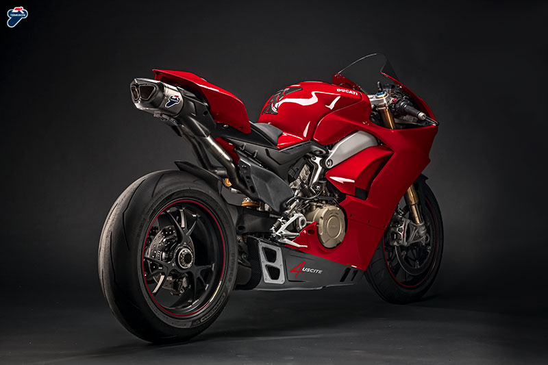 Termignoni rilis knalpot 4USCITE berbahan Titanium Carbon untuk Ducati Panigale V4