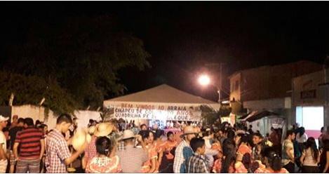 Sem apoio da Prefeitura, moradora mantém tradição de São João há 20 anos em Santana do Ipanema