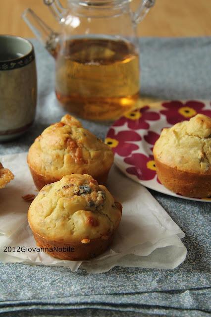 Muffin-gorgonzola-mele-nocciole