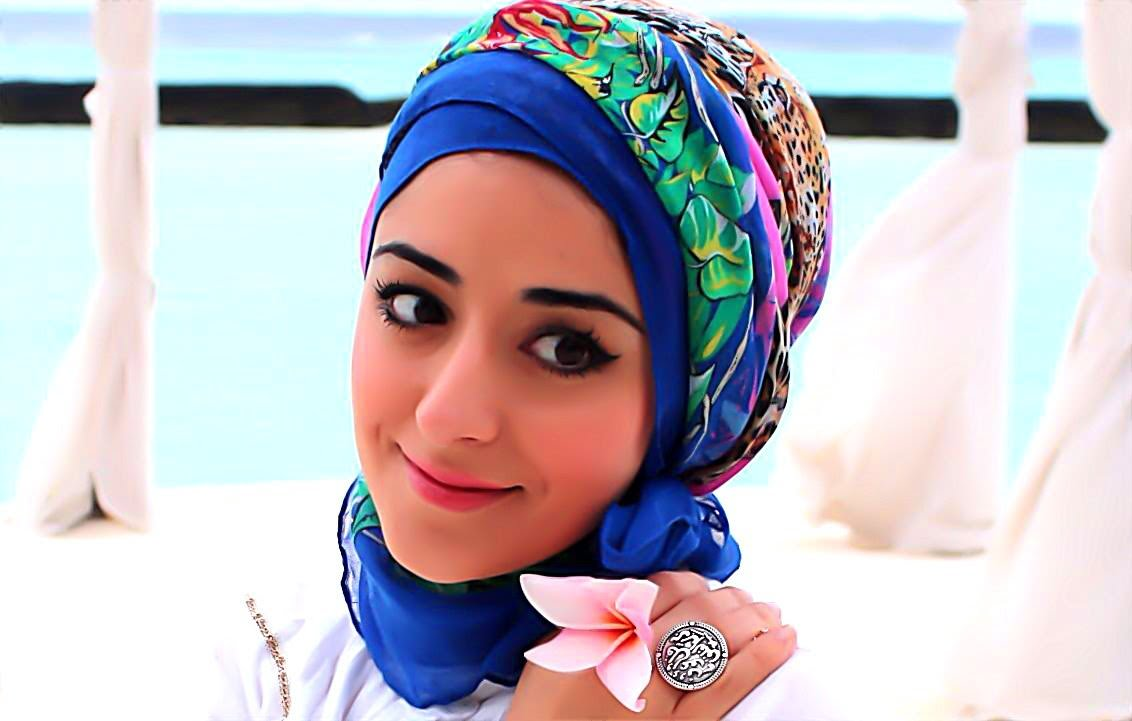 hijab wanita india