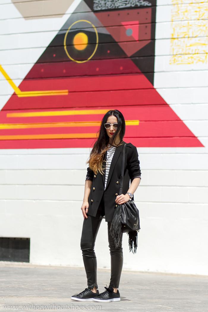 Influencer Blogger instagramer de moda valenciana con idea de look comodo estilo deportivo con zapatillas