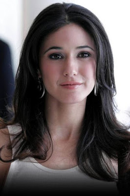 The life story of Emmanuelle Chriqui, Canadian actress Jewish.