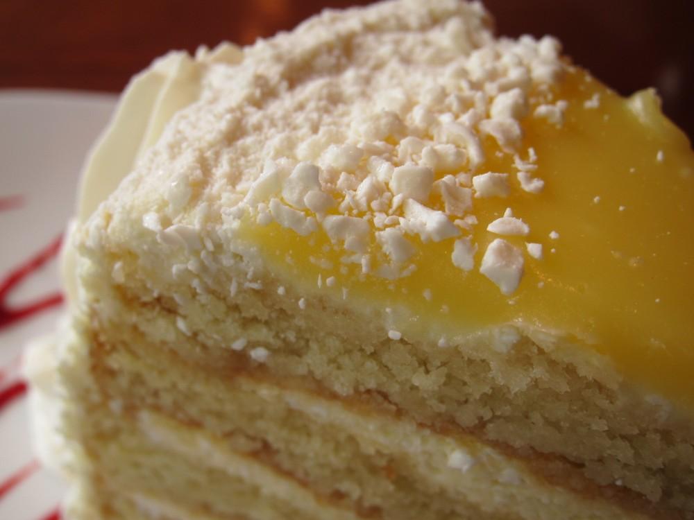 Review Claim Jumper Italian Lemon Cake Brand Eating