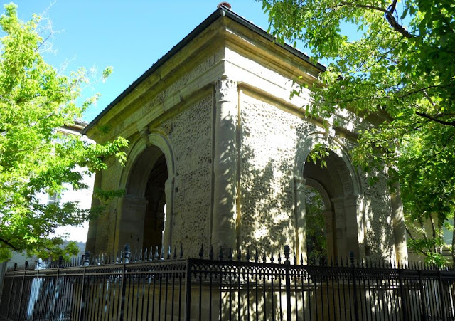 Valence, Pedentif, oudste monument van Frankrijk, crypte