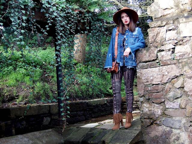 fashion, moda, look, outfit, blog, blogger, walking, penny, lane, streetstyle, style, estilo, trendy, rock, boho, chic, cool, casual, ropa, cloth, garment, inspiration, fashionblogger, art, photo, photograph, Avilés, oviedo, gijón, asturias, trousers, pantalones, especial, denim,