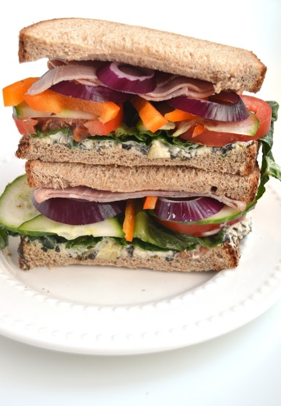 This Fully Loaded Ham Sandwich is packed full of fresh vegetables and a tasty Greek yogurt spinach dip! www.nutritionistreviews.com