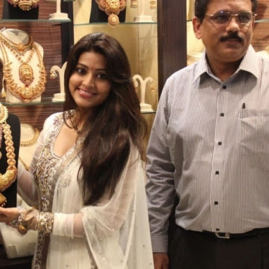 Sneha hot cleavage show photos in churidar from Malabar Gold Artistry Collections launching
