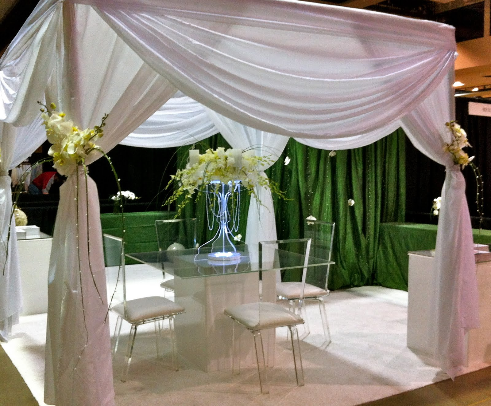 Wedding Expo Booth: Tres Chic Weddings & Events: Bridal Show Booth Design