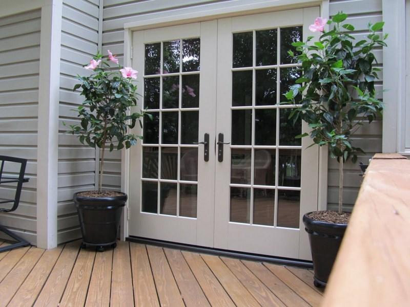 65 model pintu rumah minimalis for Exterior french doors both sides open