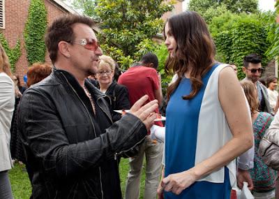 Bono y liv Tyler