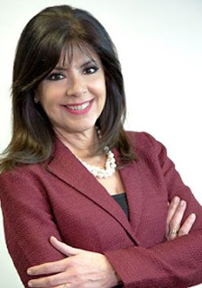 Professional photo of MCCCD Chancellor Maria Harper-Marinick