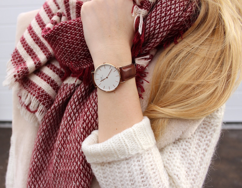 look casual whites and daniel wellington for him her the blonde lion fashion travel. Black Bedroom Furniture Sets. Home Design Ideas