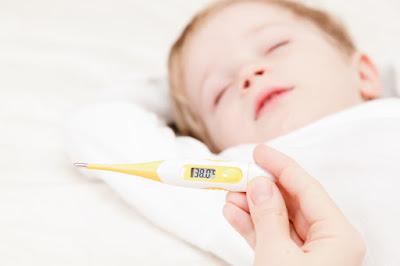 Conheça 5 dicas para baixar a febre sem usar medicamentos
