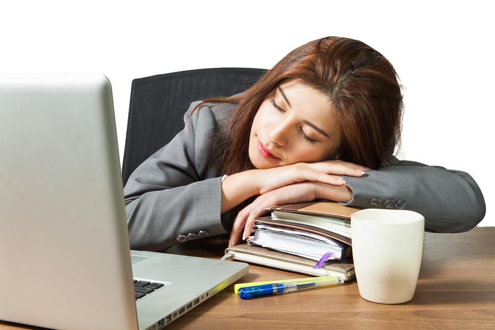 Manfaat tidur siang bagi produktifitas karyawan