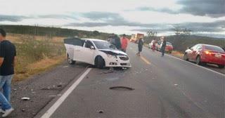 Colisão entre carros deixa vários feridos na BR-230 no Sertão da Paraíba