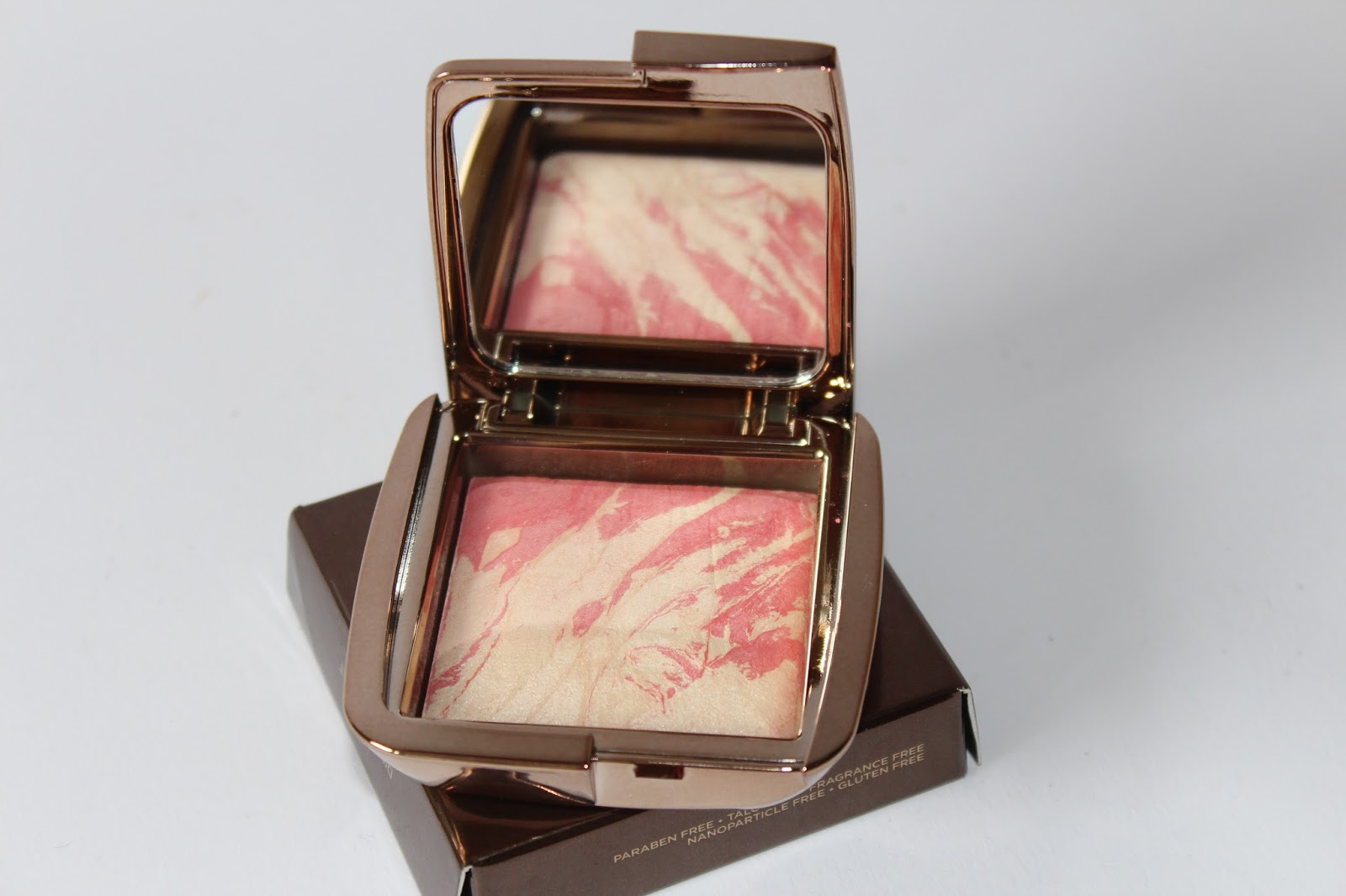 Hourglass Ambient Lighting Rumenilo Diffused Heat