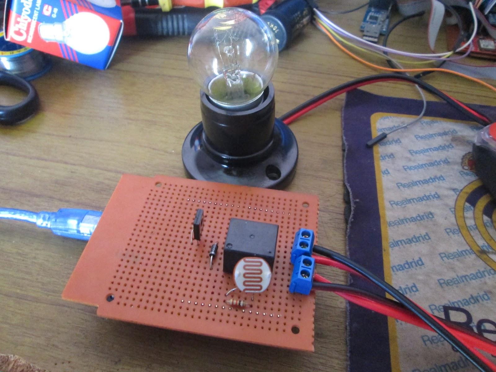 Membuat alat on off lampu otomatis menggunakan sensor