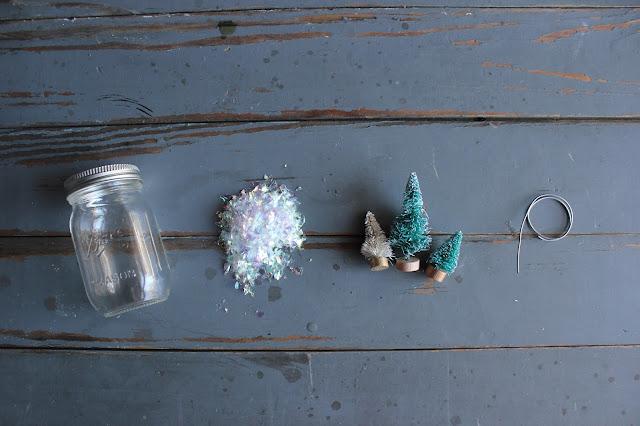 DIY Ball Mason Jar Photo Holder