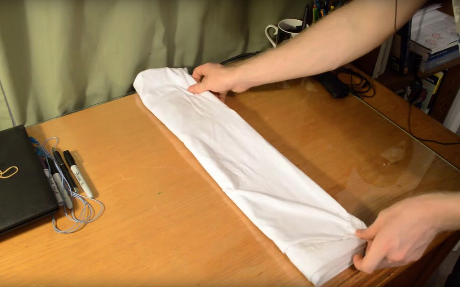 how to pack clothes without wrinkling them