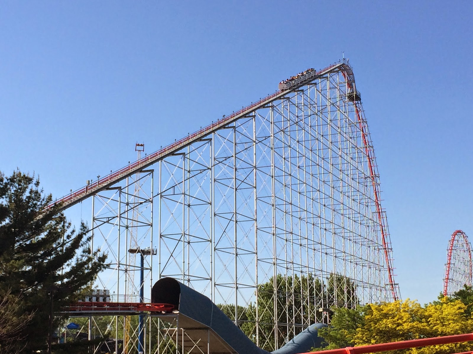 Magnum Cedar Point Roller Coaster