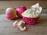 Apple Crumble & Custard Cupcake