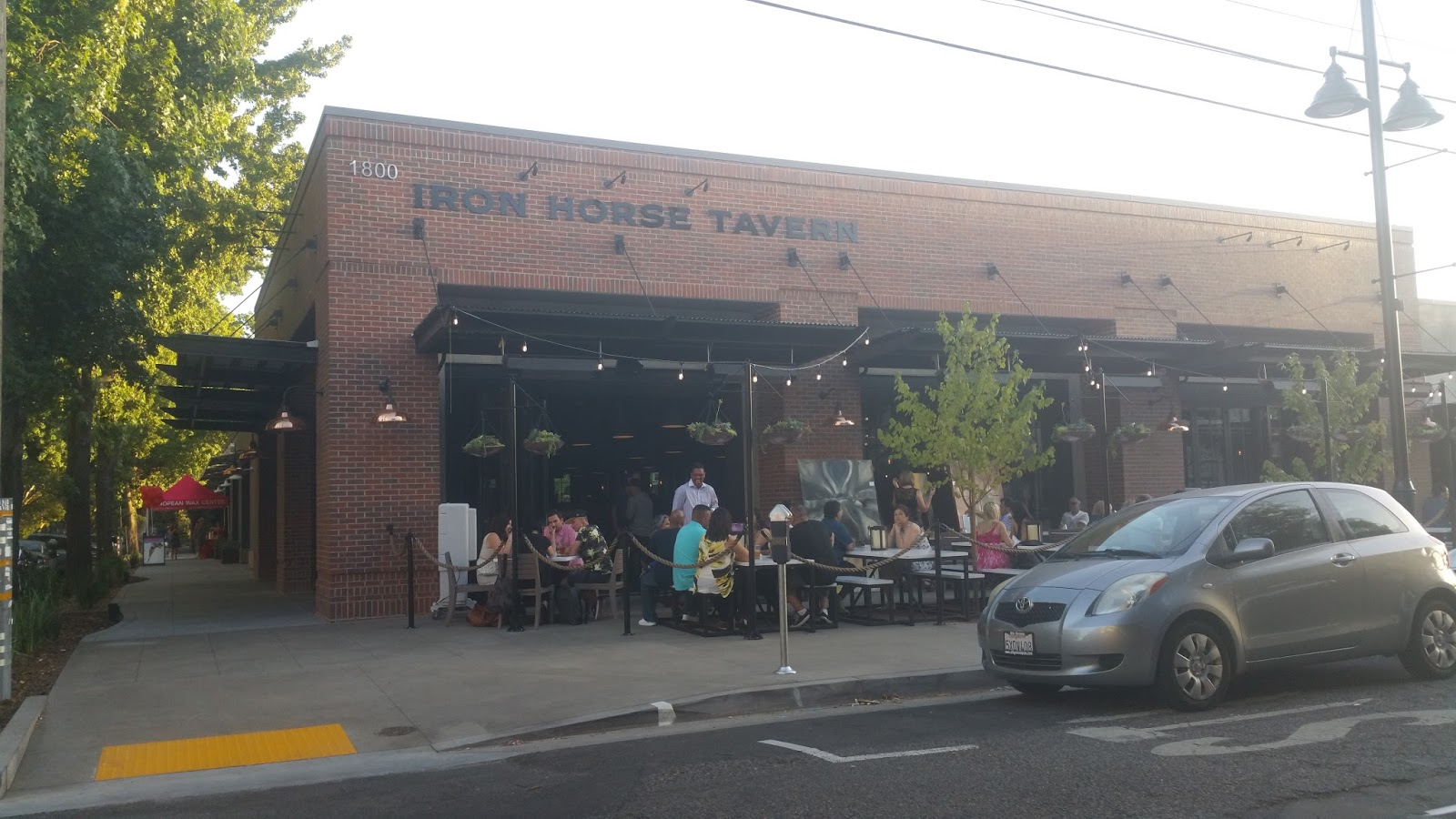 Attractive New R Street Complex   Iron Horse, Roxie, Dos Coyotes