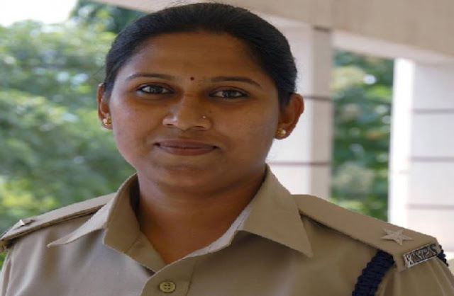 Upright Karnataka police officer Anupama Shenoy has updated her Facebook page with a message – 'jobless and unemployed'.    Posted as DySp of Ballary district, Anupama Shenoy had a difficult relationship with local minister Parameshwar Naik. She resigned in a huff recently blaming him for the protests that broke out against her.   Her resignation has reached police headquarters and has been forwarded to the Additional Home Secretary, who will decide after meeting Home Minister GParameshwara.