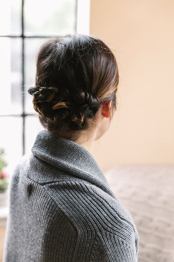 trendy hairstyle idea to try this fall